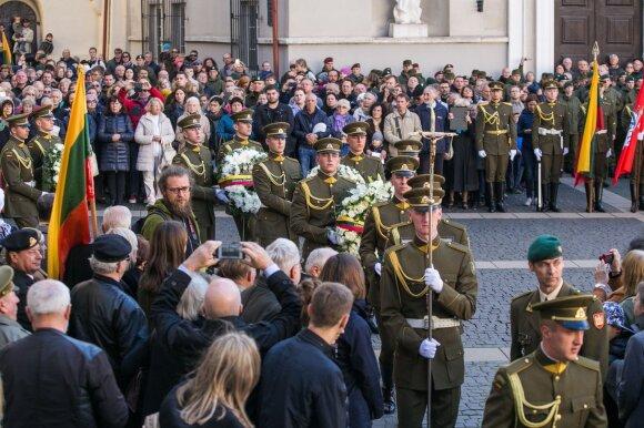 Rusija signalų nesuprato: pasiaiškinti iškviestas ambasadorius iškoneveikė Adolfą Ramanauską-Vanagą