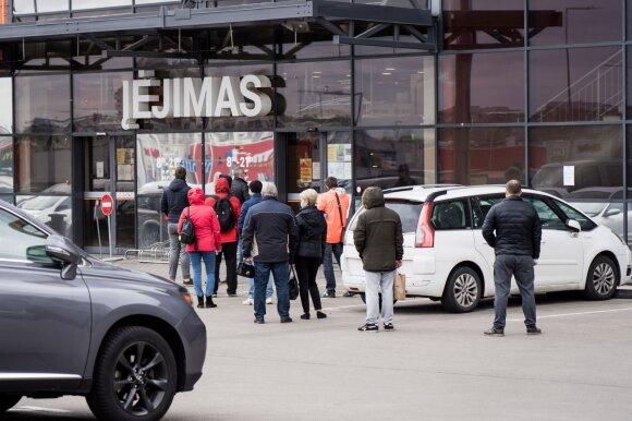 Pernai lietuviai išlaidavo kaip reikiant: du scenarijai, kurie mūsų komfortišką gyvenimą apverstų aukštyn kojomis