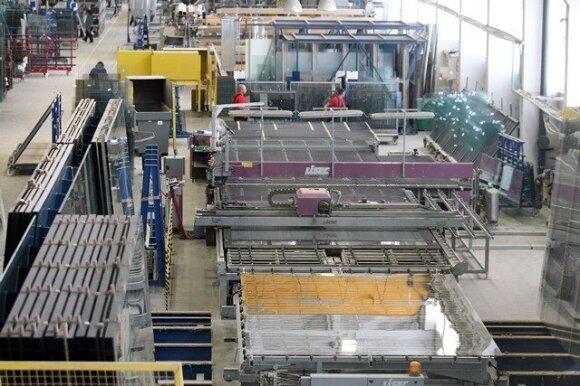 """""""Glass LT"""" atidarė naują gamyklą Alytuje"""