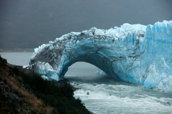 Perito Moreno ledyno ledo tiltas
