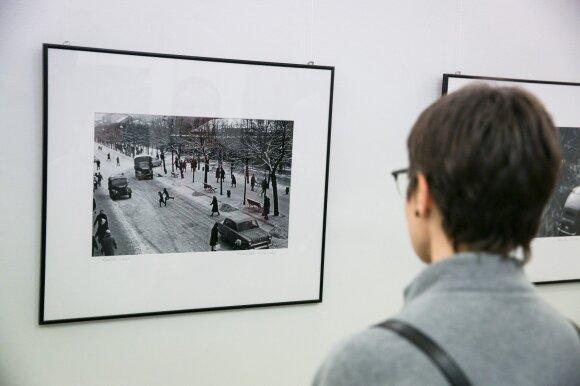 """Romualdo Rakausko fotografijų paroda """"Vilniaus ir Kauno šiokiadieniai"""""""
