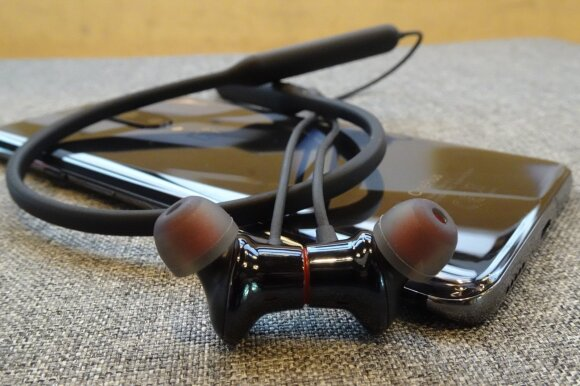 OnePlus 7 Pro ir Bullets Wireless 2