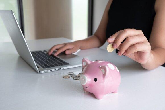 Finansų ekspertai: žmonės nežino, ką daryti su santaupomis, – kai kurie pasirinkimai kelia siaubą