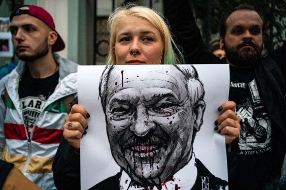 Aleksijevič kreipėsi į Lukašenką: dink, kol nevėlu!