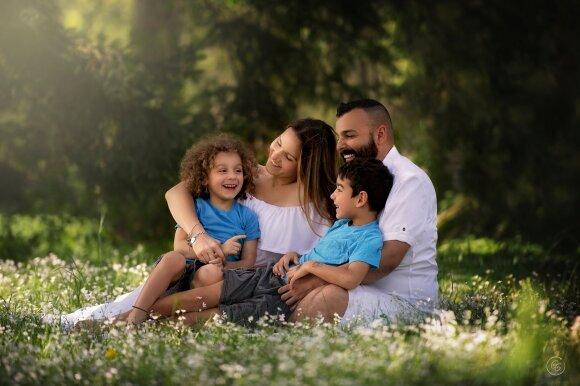 Giedrės Gomes darbai - Giedrė Gomes su vyru ir vaikais