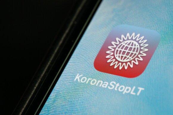 """""""Korona Stop LT"""" tapo diskusijų objektu: parsisiuntimų daugiau nei 83 tūkst., o pranešusių apie užsikrėtimą – vienetai"""