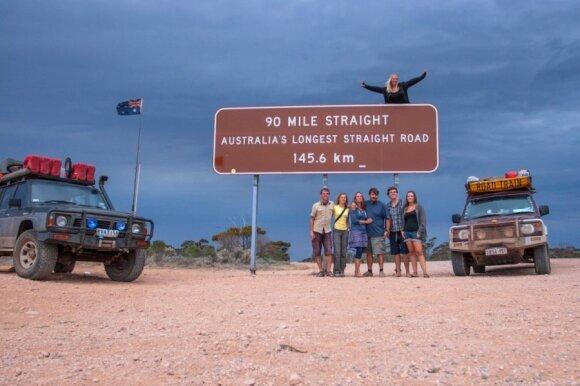 Šis kelias be mažiausio pasūkio driekiasi apie 145 km.