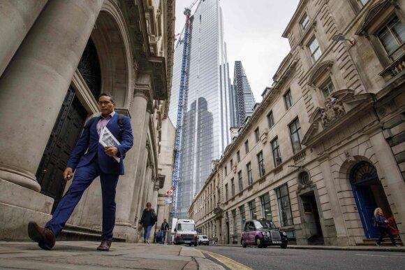 Turtuoliai persigandę – ilgisi senų gerų laikų saugumo