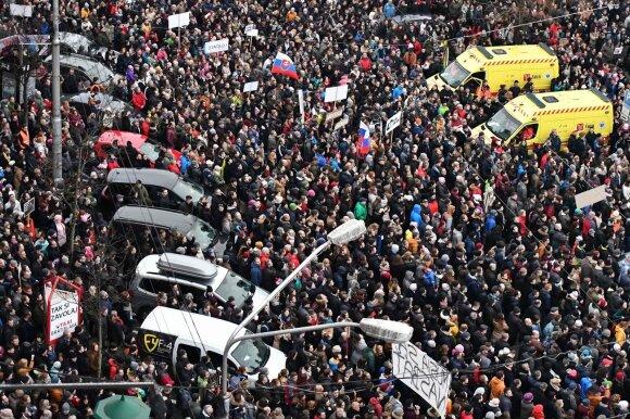 Tokių protestų nebuvo 25 metus: kas sukėlė slovakų pyktį ir kur visa tai veda