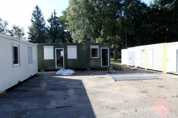Ruklos pabėgėlių priėmimo centro pašonėje ruošiama stovyklavietė migrantams
