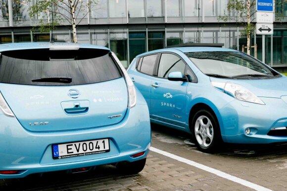 Liūdna diena elektromobilių gerbėjams – nemokamą krovimą teks pamiršti