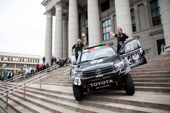 Benediktas Vanagas pristatė naują Dakaro ralio automobilį