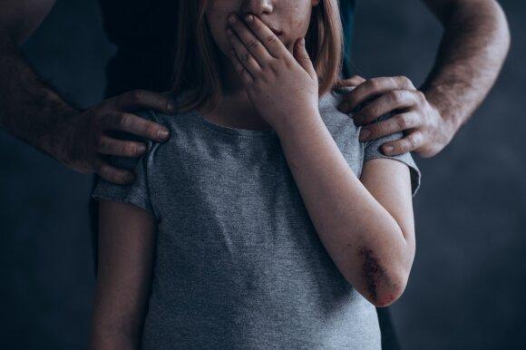 Nusikaltėlį demaskavo ne nukentėjusių mažamečių tėvai: sugebėjo baisius poelgius nuslėpti po paslaugaus žmogaus kauke