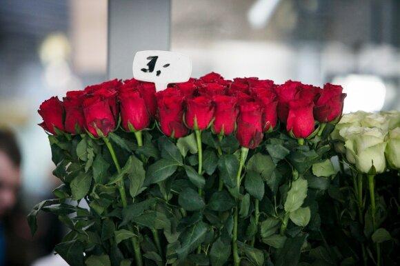 Pirkti gėlių atėjusį vyriškį supykdė išgirsta kaina: baisu