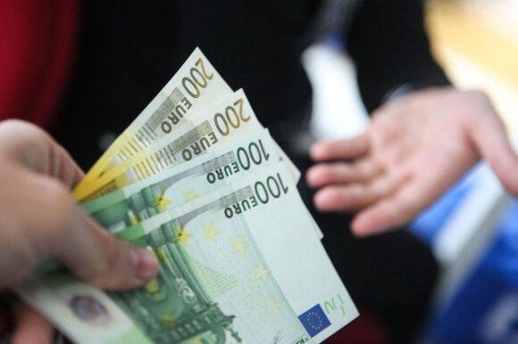 Skaudi pamoka: suviliotas 750 eurų atlyginimu darbuotojas liko ant ledo