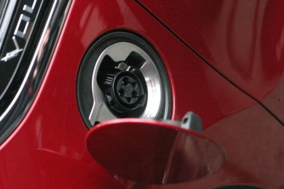 "Pirmasis Kaune serijinis elektromobilis ""Chevrolet Volt"""