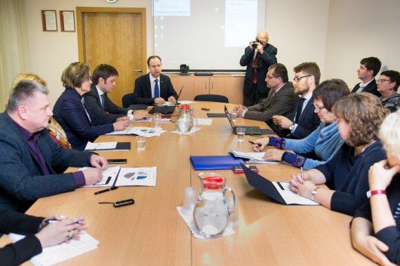 Medikai: per 27-erius metus derybos su 19 ministrų, o rezultato jokio