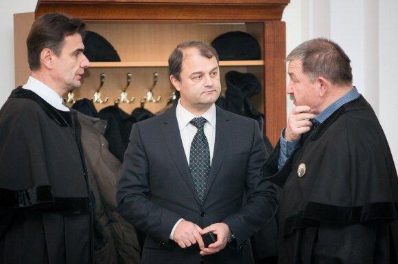 Sergejus Rachinšteinas su advokatais