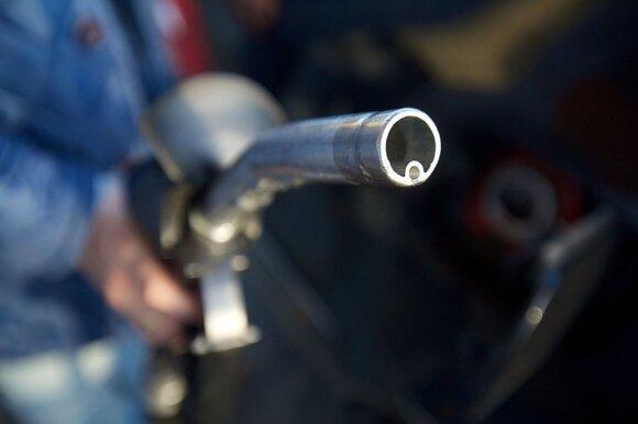 Įvertino degalinėse parduodamą benziną ir dyzeliną: ar įmanoma pakenkti savo automobiliui