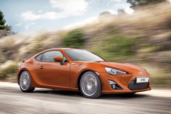 """""""Auto Express"""" išrinko geriausius 2013-ųjų automobilius"""