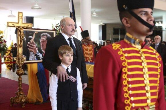 Aleksandras Lukašenka ir sūnus Nikolajus