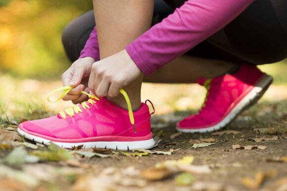 Pažiūrėkite į save iš šono: klaidos, kurias dažnai darote ne tik sportuodami, bet ir kasdien dirbdami