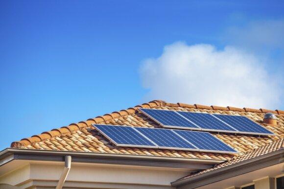 Šie 5 mitai apie saulės elektrines labai stebina ekspertus: lengvatikius vis dar veikia