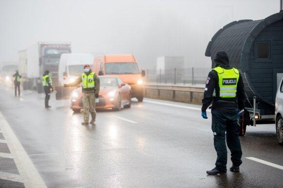Policijos pareigūnų sustabdyta Širinskienė: sukarinta tvarka gali palikti žmones be maisto