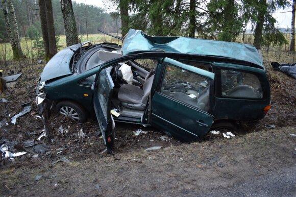 Paaiškino, ką slepia po avarijų suremontuoti automobiliai: to pajusti nenorėtumėte