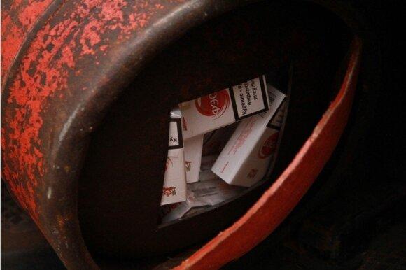 Dųjų balionuose cigaretes vežusį šalčininkietį teko tramdyti šūviais ir antrankiais