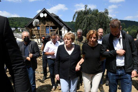 Vakarų Europoje potvyniams pareikalavus 183 gyvybių, Merkel aplankė nuniokotą regioną