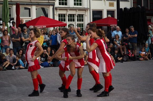 Spektaklis Vilniaus Katedros aikštę pavers futbolo aikštele