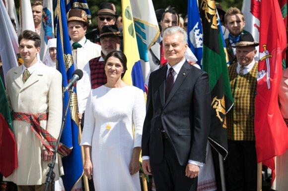 Lietuvos miestų ir miestelių bei užsienio lietuvių vėliavų pagerbimo ceremonija Katedros aikštėje