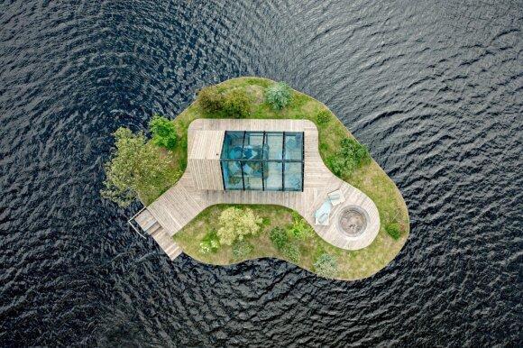 Latviai ant plaukiojančios salos pastatė unikalų namą: nespėja priimti visų norinčiųjų