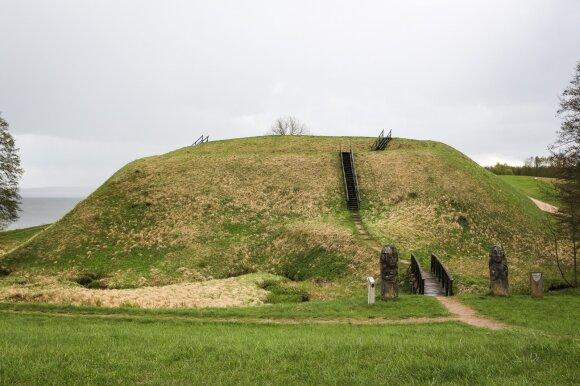 Prelomčiškės piliakalnis