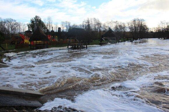Pirmoji potvynio banga smogė verslininkams prie pat Kretingos