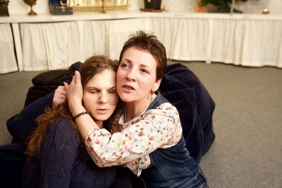 Neįgaliųjų teatras prašo pagalbos: visi dreba, bijo, bet jau nebėra kur dėtis