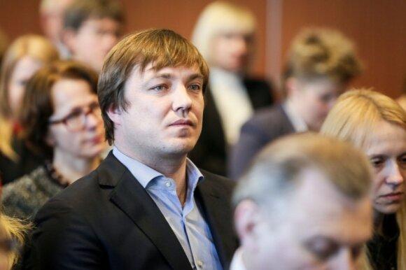 """Lenkijoje """"Maximos"""" valdomo prekybos tinklo darbuotojai sukilo dėl algų"""