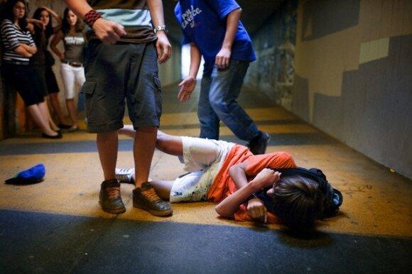 Vaikas elgiasi agresyviai: pavojaus signalai, į kuriuos nereikėtų numoti ranka