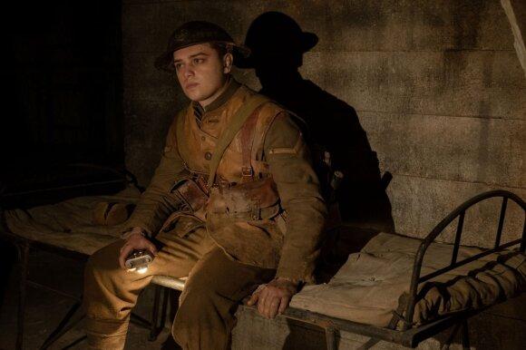 "Dean-Charles Chapman, kadras iš filmo ""1917"""