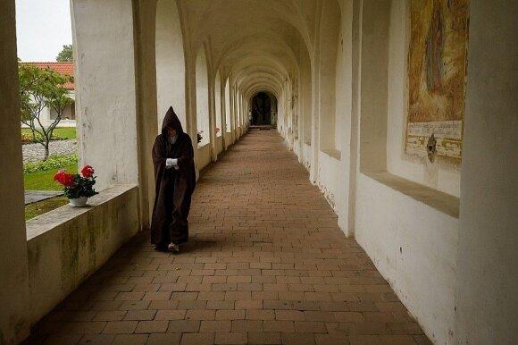 Tytuvėnų vienuolyno galerija.