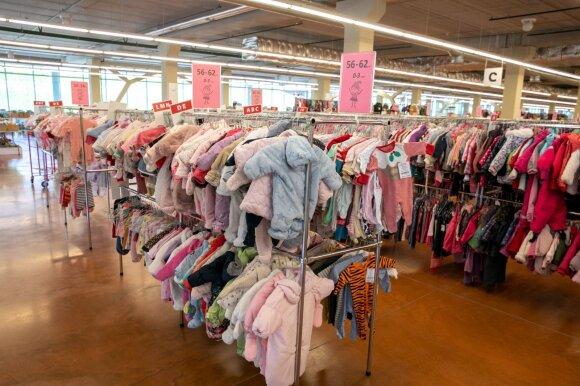 """Mamos pasidalijo didžiausiais """"Mamų mugės"""" laimikiais: parduotuvėse tiek daug nebūtume prisipirkusios"""