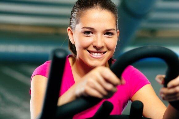 Keli paprasti dalykai, kurie padės greičiau atsikratyti kūno riebalų