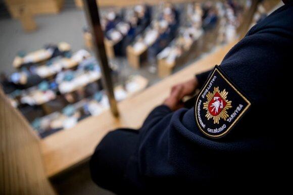 Pareigūnų prašymai Seimo neįtikino: vieno balso persvara didesnių pinigų negaus