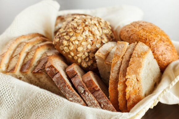 10 mitų apie duoną: mitybos specialistė paaiškino, kas tiesa, o kas – melas