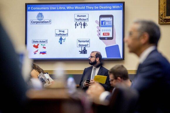 """Paslaptingas nutylėjimas dėl naujos kriptovaliutos: ar """"Facebook"""" ketina tapti banku?"""
