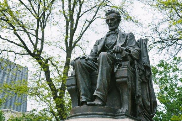 Abrahamo Lincolno statula Springfilde