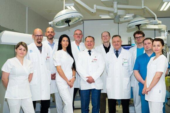 Robotinės chirurgijos Klaipėdos universitetinėje ligoninėje komanda