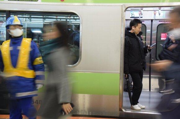 Kaip užuot verkę prie griuvėsių ir panirę į depresiją, japonai visus aplenkė