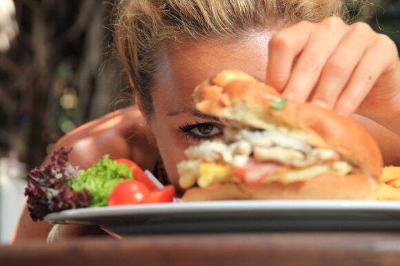 """Laikosi """"McDonaldo dietos"""" ir nepriauga svorio: atsirado vilties įminti lieknumo geno paslaptį"""